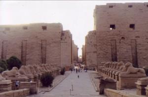 Tempio_di_Karnak_ingresso
