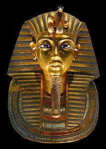 maschera mortuaria in oro massiccio di Tutankhamon