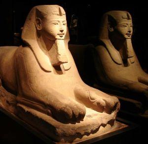 Sfinge con la testa umana e corpo di leone, Museo Egizio, Torino.