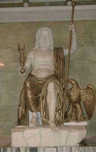 """Una statua romana di """"Zeus Olimpio"""", marmo (restaurata), probabile copia della colossale statua di Fidia, San Pietroburgo, Ermitage."""