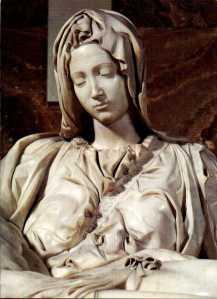 La Pietà, dettaglio con il volto della Madonna.