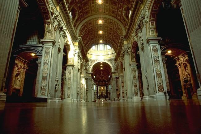 Basilica di san pietro vaticano i tesori alla fine dell for Interno san pietro